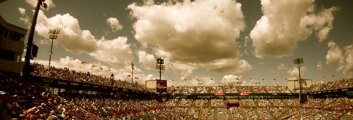 sky-people-clouds-crowd